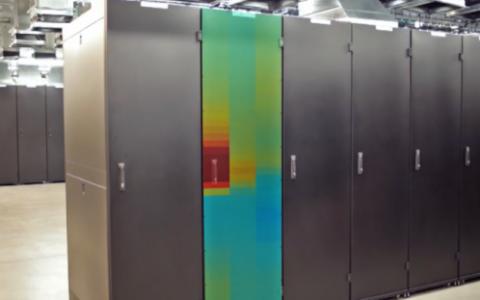 数据中心将采用机器人监控机柜中的热点